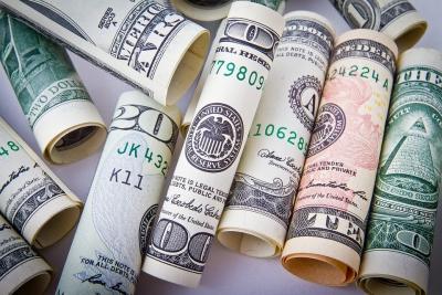 ВКитайской республике  ввели новые ограничения напокупку валюты